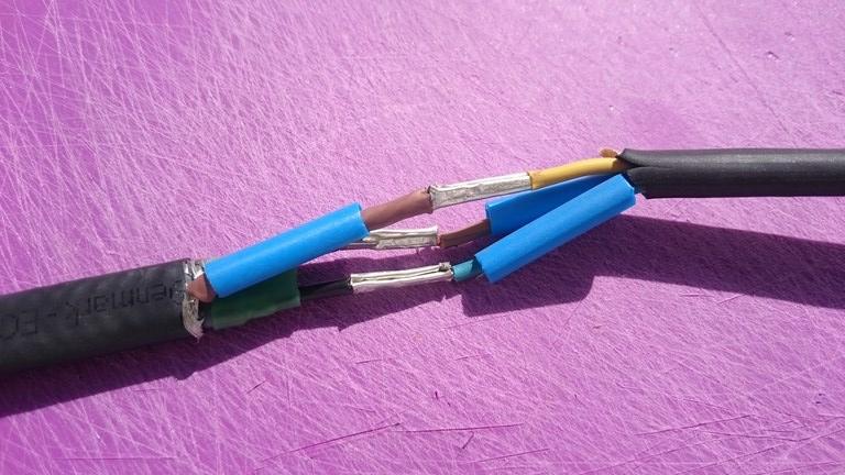 Jak połączyć kabel samoregulujący z zasilającym